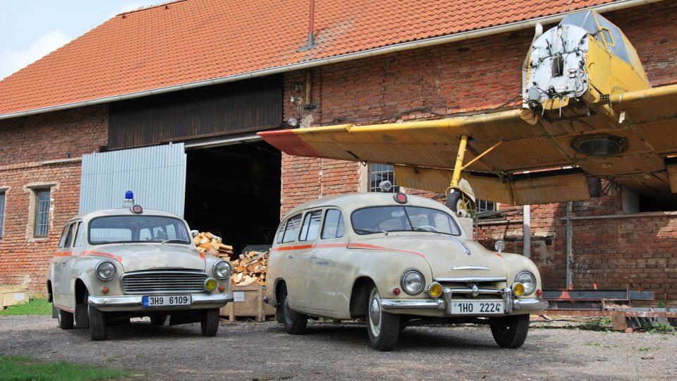 Škoda 1201 se svou nástupkyní Škodou 1202