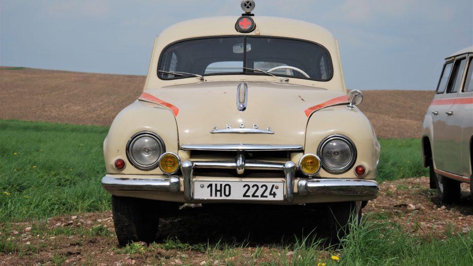 Sanitka Škoda 1201