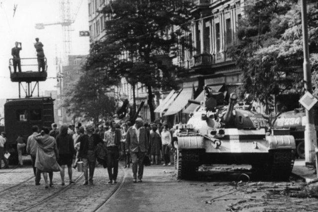 Asi něco zcela neznámého ve vztahu Praha-Moskva už historici nenajdou. Je ale čas na analýzu osobních zážitků těch,  co u toho byli,  říká dokumentarista | foto: František Dostál
